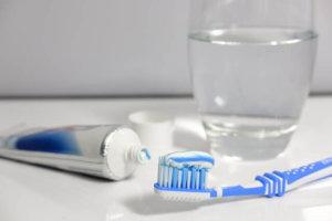 Al día es recomendable cepillarse los dientes 3 veces