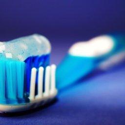 Los comesticos incluyen microplásticos contaminantes