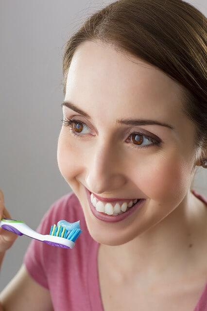 Sigue estos consejos para cepillarte correctamente los dientes